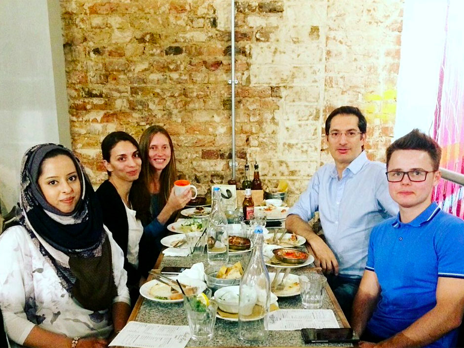 Synaptic Plasticity and Repair Group (Vincenzo De Paola) – Goodbye dinner for Joanna Dopp at Santa Maria Pizzeria, London, 06 October 2017