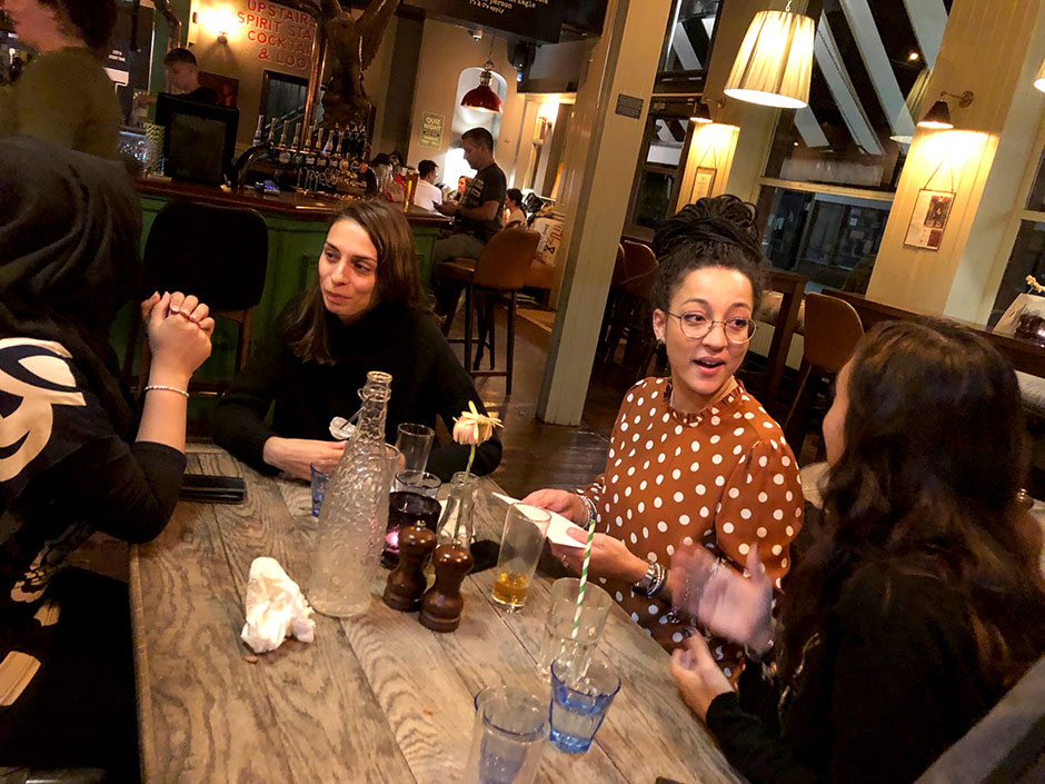 Synaptic Plasticity and Repair Group (Vincenzo De Paola) – Dinner at The Eagle in Ladbroke Grove, London, for Carla Pernaci and Maria Tortora, 24 September 2018